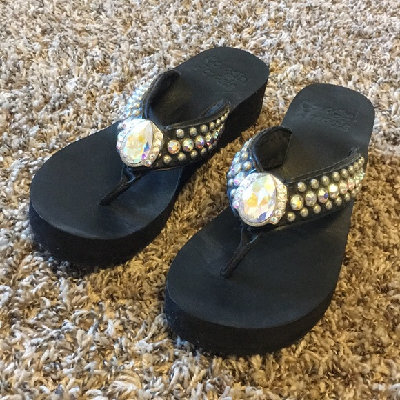 a7d03d220d6c4 cowgirl jewels Shoes - Worn once a cowgirl jewels flip flops size 7